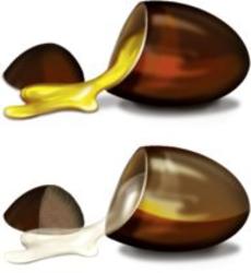 Twee capsules met in de ene een witte inhoud ubiquinol en in de andere een gele inhoud met de geoxideerde vorm van ubiguinol